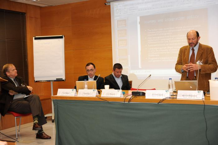 http://www.congresos.cchs.csic.es/conferenciasureste2011/sites/congresos.cchs.csic.es.conferenciasureste2011/files/galeria/10_0.jpg
