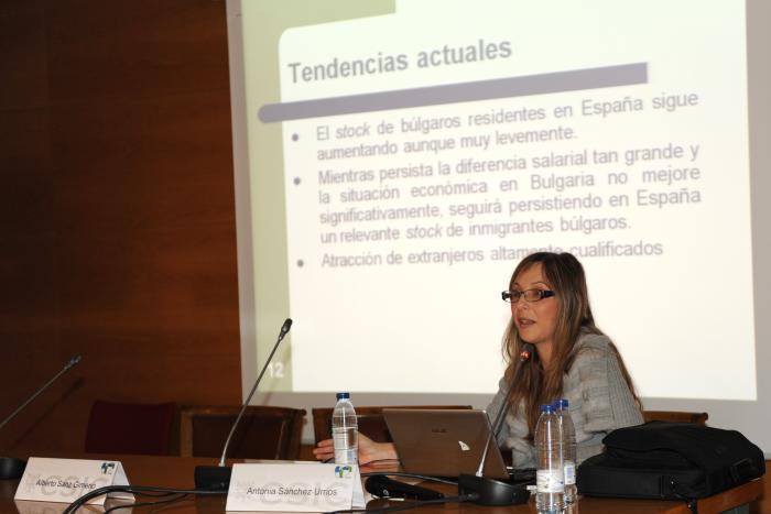http://www.congresos.cchs.csic.es/conferenciasureste2011/sites/congresos.cchs.csic.es.conferenciasureste2011/files/galeria/19.jpg