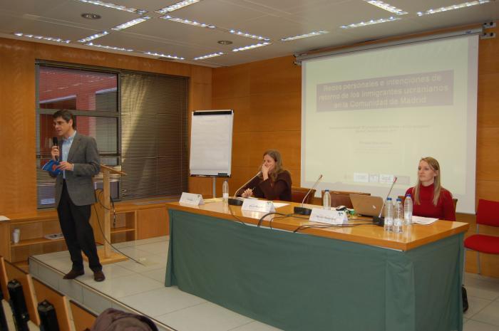 http://www.congresos.cchs.csic.es/conferenciasureste2011/sites/congresos.cchs.csic.es.conferenciasureste2011/files/galeria/20.JPG