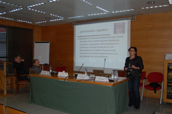 http://www.congresos.cchs.csic.es/conferenciasureste2011/sites/congresos.cchs.csic.es.conferenciasureste2011/files/galeria/25.JPG