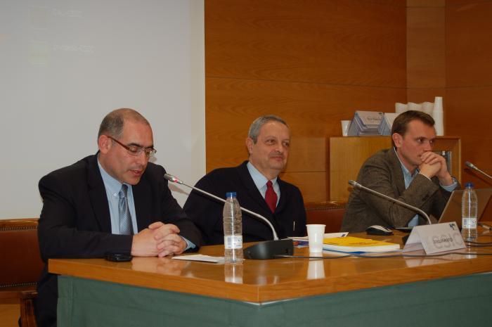 http://www.congresos.cchs.csic.es/conferenciasureste2011/sites/congresos.cchs.csic.es.conferenciasureste2011/files/galeria/29_0.JPG