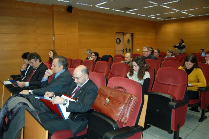 http://www.congresos.cchs.csic.es/conferenciasureste2011/sites/congresos.cchs.csic.es.conferenciasureste2011/files/galeria/3.JPG