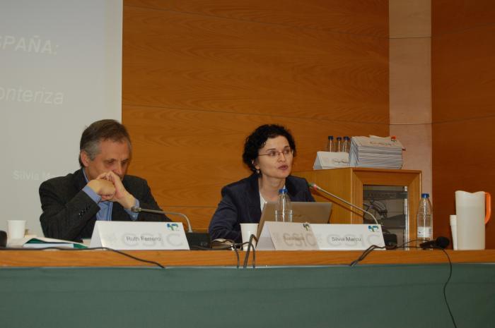 http://www.congresos.cchs.csic.es/conferenciasureste2011/sites/congresos.cchs.csic.es.conferenciasureste2011/files/galeria/5%2C5_0.JPG